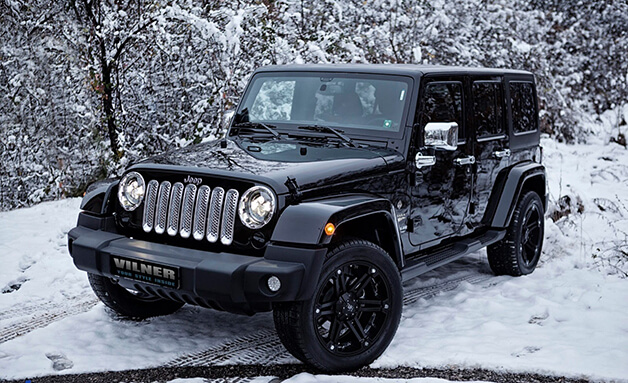 Snow and Jeep Wrangler 4x4 Jeep